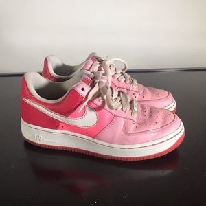 Nike Air Force 1 (82 XXV) Ladies Pink to Red Sz 8